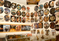 HELLION RECORDS: die Picture-Disc-Wand im Laden